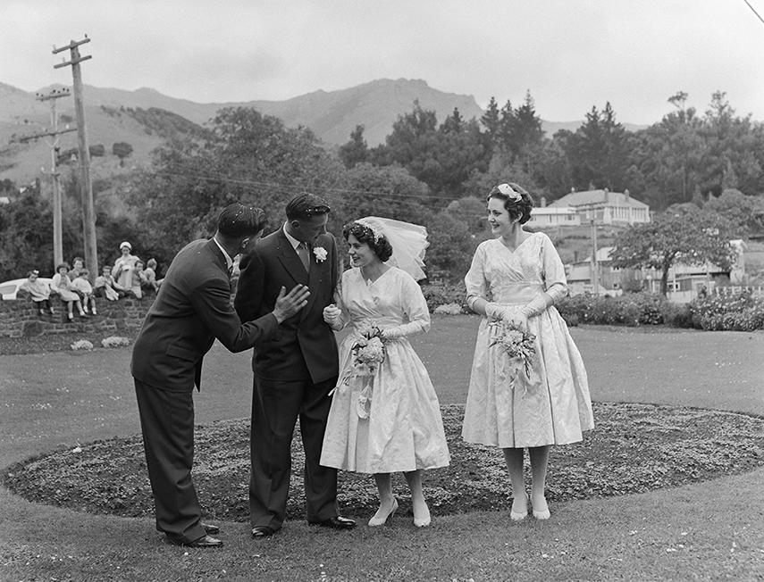 Denise Bryant and John Stewart wedding, War Memorial Gardens